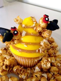 """Hunger Games"" Tracker Jacker Cracker Jack Cupcakes from Julie Eisenberg"