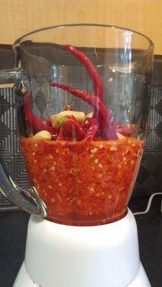 HOT Pepper Sauce           http://www.backyarddiva.ca/peppers/