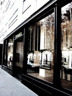 Chanel store, miss Paris!!