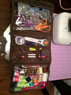 Thirty one timeless beauty bag as a sewing kit!