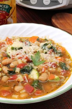 Slow Cooker Minestrone Soup | The Spiffy Cookie