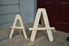 Mini Easel made from lolly sticks