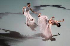 Liu Chen-Hsiang – Cloud Gate Dance Theatre of Taiwan, Water Stains on the Wall – 2011