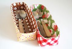 Trays in Sew Cherry by ayumills, via Flickr reciclando retalhos de tecido