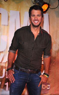 Luke Bryan Photo - 46th Annual CMA Awards Nominations Announced By Jason Aldean And Luke Bryan