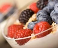 roug dessert, homemade yogurt, diet recipes, fruit roug, parfait, berry recipes, dessert vendredi, berries, trifle desserts