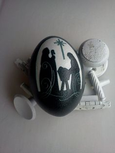 Nativity Carved Emu Egg OOAK Home Decor. by FarmFresh2FineArt, $74.95 maybe similar painted on rock??? egg gourd, egg cite, scratch egg, xmas egg, carv egg, paint rock, emu egg, pysanka egg