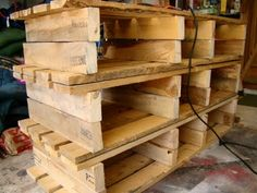 Wooden Pallet Dresser, wood be good to use in the shop for storage