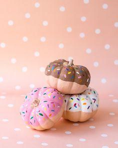 DIY no-carve pumpkin idea: They look like donuts!