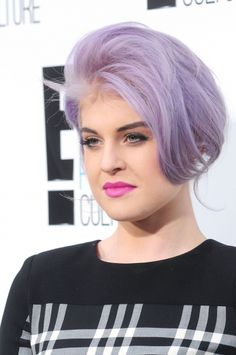 Kelly Osbournes loose updo