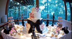Kristina and Carl - Cake and Cupcake table