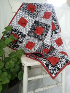 Download Pucker Up! Sewing Pattern | Quilting | YouCanMakeThis.com