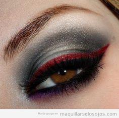 Maquillaje ojos futurista