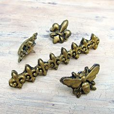 Faux Antique Brass Tacks Made with Mod Melts | Morena's Corner