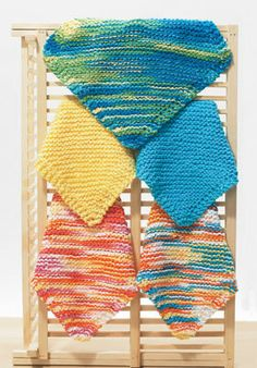 Easy Dishcloth (Knit) - good use for left-over yarn.  Must try!