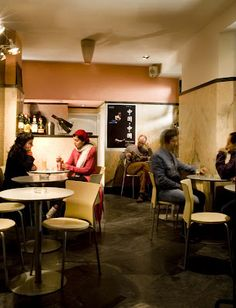 Baliza Café Bar, Bica (http://cartafotografica.blogspot.de/2007/11/sesso-de-iluminao-caf-bar-baliza.html#)