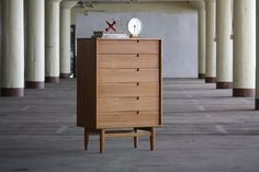 Evocative Milo Baughman Midcentury Modern Tall Dresser Chest of Drawers for Drexel Todays Living (U.S.A., 1953) from Kinzco