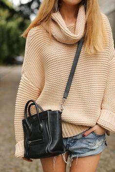 An oversized roll neck jumper from Zara worn byCaroline Louis