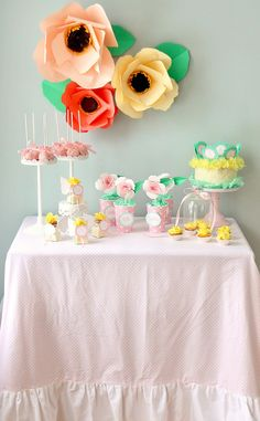 Icing Designs: A Sweet Spring Table