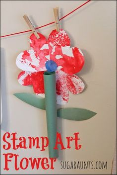 Stamped art flower craft #flower #garden #kids #children #diy #craft #paint #fingerpaint #art #easy #inexpensive #preschool #prek #kindergarten #spring #springtime #home #weekend #rainyday