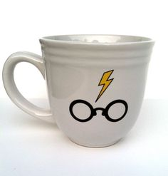 Harry Potter mug @Danielle Lampert Kendig, can you do this on a giant mug for me. I would like to give it as a Christmas present. If not, no biggie!