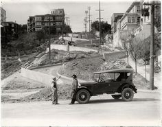 San Francisco's crookedest street, Lombard, being graded in 1922 [Photo: SAN FRANCISCO HISTORY CENTER, SAN FRANCISCO PUBLIC LIBRARY]