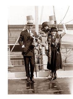 *Douglas Fairbanks and Mary Pickford: 1916