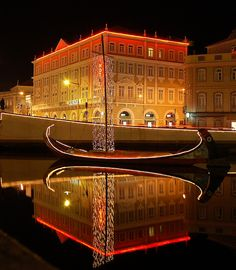 #Aveiro, Moliceiro at night  #Portugal