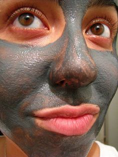 Great tips for all kinds of DIY face mask ingredients/combos..also a very cool website for DIY beauty!!