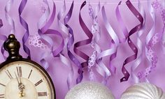 party decoration ideas, paper garlands, ribbon, curls, decorations, purple party, new years eve, year eve, parti