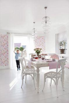 white and pink dining room #diningroom #timberfloors #pink #white #lighting