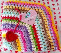 Tecendo Artes em Crochet: Almofada Colorida Pronta!