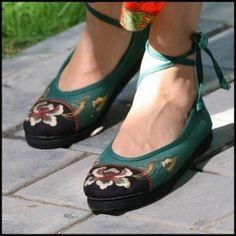 i wish someday....ethnic shoes from miyafeelings.com
