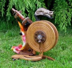Sarah's Cat - SQUEEEE  Best spinning wheel in the world!!  (Or it would be if it were mine)