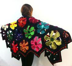 Ravelry: Flower Power Shawl pattern by Regina Rioux Gonzalez