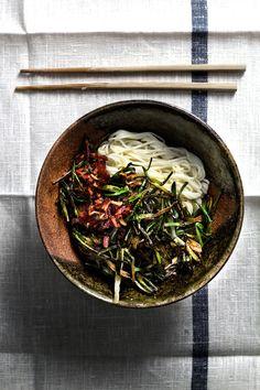 5 min scallion-fat noodle – via Lady & Pups