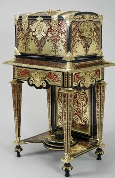 1813 British Coffer on stand at the Royal Collection, UK - This coffer (one of a pair) was bought by George IV while he was Prince Regent to be placed in Carlton House, his London residence.