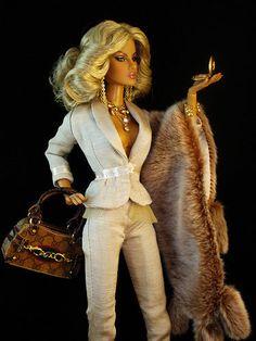doll fashion, barbi gucci, fashion royalti, barbi girl, barbi doll, barbi collector, fashion doll, gucci barbie, eugenia frost