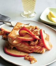 Seared Salmon with Onions and Caramelized Apples-  281 calories