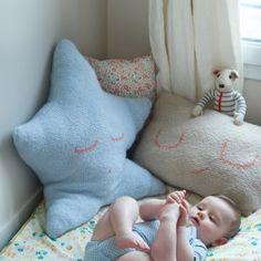 Des coussins tricotés pour bébé / Knitted pillows for baby, star pillow