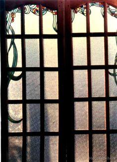 flores en puertas repartido vitraux Puertas arco de cuarto punto vidrio repartido y vitral con flores.-  #vitraux  #vidrio   #glass-art  #vetrata-decorata