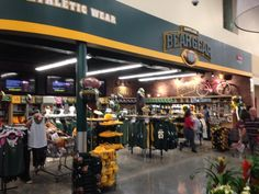 Another shot of the #Baylor section at Waco's new HEB... Love seeing such support around town! #SicEm (via davidkaye9 on Twitter)