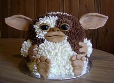 Gremlin Cake... This could also be a Food Play postings...but he's soooo cute.