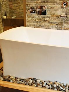 Elegant tub with a simple curve