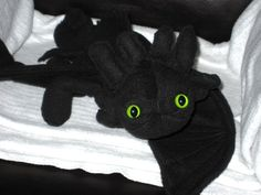 Tutorial on how to make a Toothless from How To Train Your Dragon pattern, dragon, train