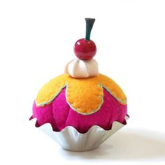 Cupcake Pincushion