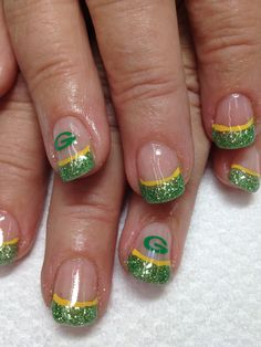 The first set of Packer nails for the season!! Very pretty green glittered French gel nails, with a gold line and Packer logo!!