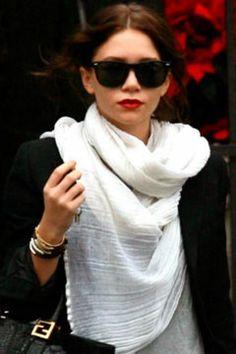 Mary Kate Olsen, brunette Glasses!