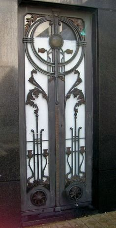 Art Deco Door, Buenos Aires, ArgentinaReblogging hausofcaus  Wow. Beautiful door. Any other examples of Art Deco/Nouveau in Argentina people can point me to?