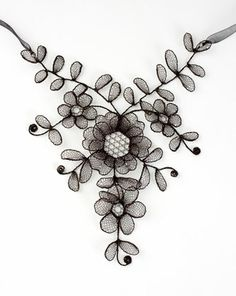 Necklace in Chantilly bobbin lace made of enamelled copper by Lenka Suchanek
